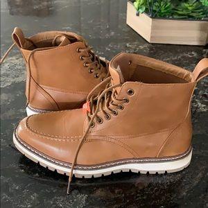 NWOT Men's boots
